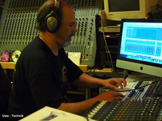 Uwe ist bei Southern Roxx, zuständig für alle Fragen, rund um die Technik.